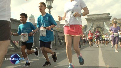 The Palestinian and the Israeli children were running the 20th kilometre of  the race as part of the UNICEF Charity Run f7943518d