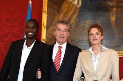 The President of Austria Mr Heinz Fischer, Kenya's Abel Kirui, and Romania's Luminita Talpos at a reception in the famous Wiener Hofburg