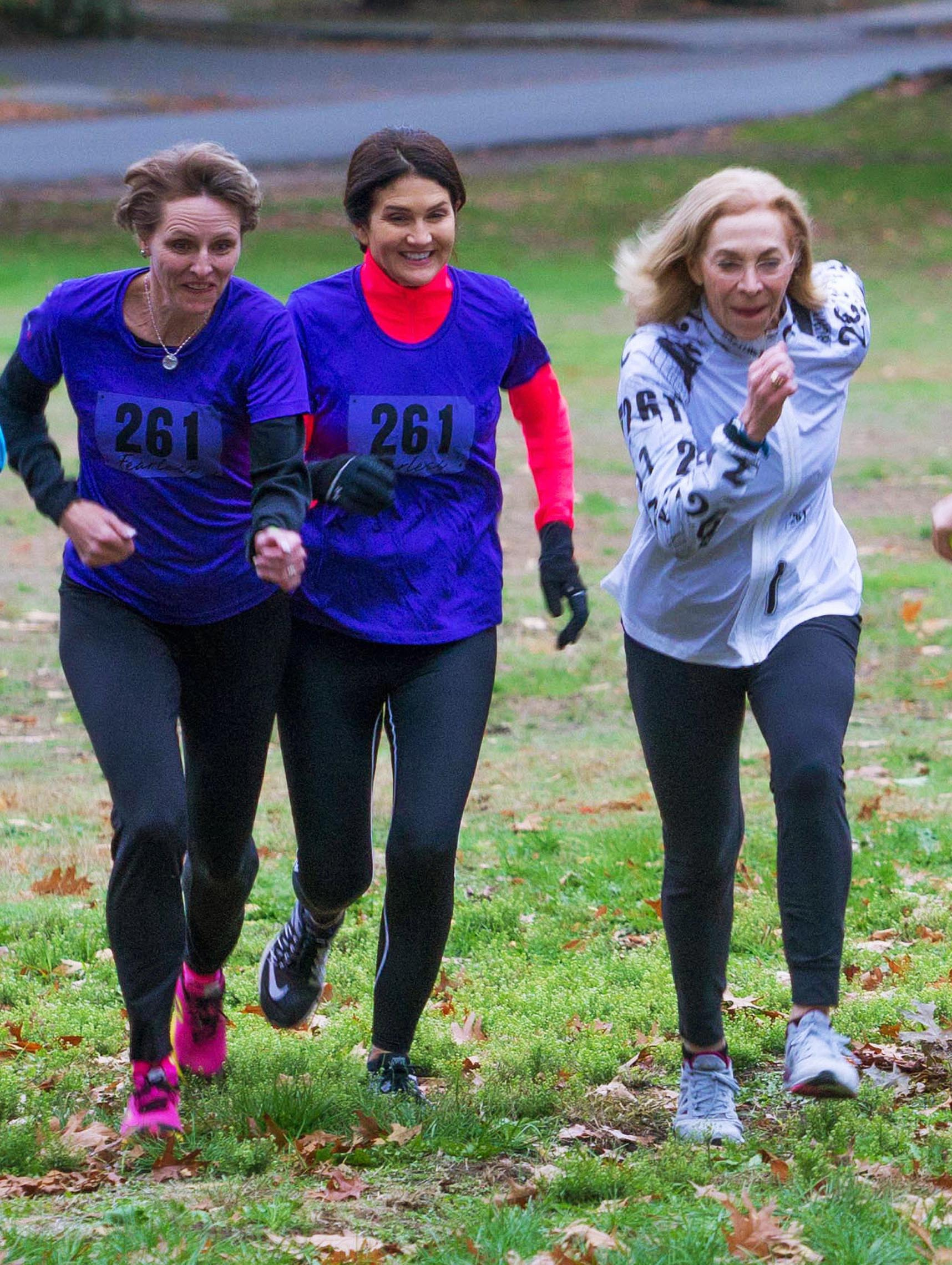 Team_261_fearless_trains_for_boston_marathon_with_kathrine_switzer