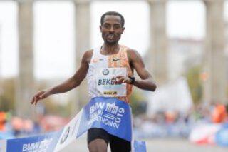 Berlin 2019 bekele bmw berlin marathon 2019 winner kenenisa bekele norbert wilhlem 300x200